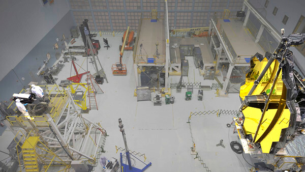 A 4D Technology PhaseCam 4020 High Speed High Power Laser Interferometer being used to measure the shape of the James Webb Space Telescope (JWST)